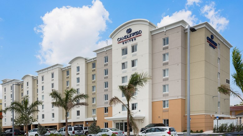 THE ULTIMATE PLACE TO GET AWAY THAT FEELS LIKE HOME AWAY FROM HOME: CANDLEWOOD SUITES MIAMI INTL AIRPORT – 36TH STREET